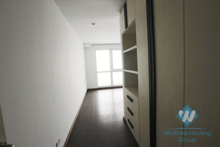 High floor office for lease in Ba Dinh District, Hanoi