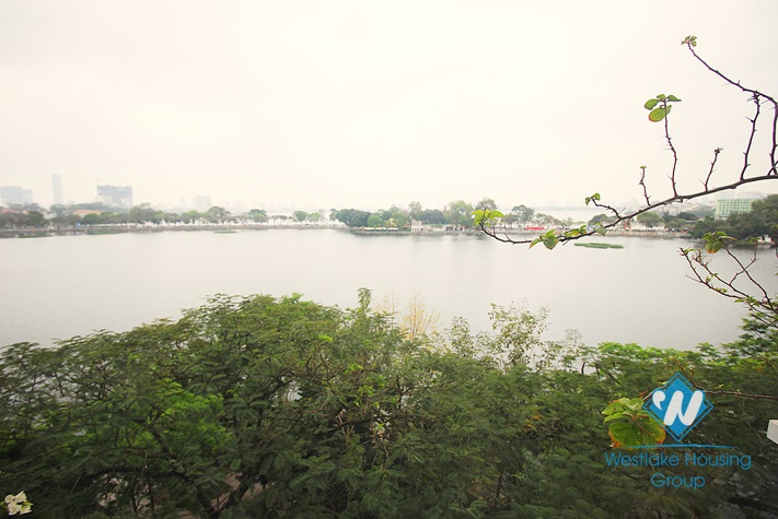 One bedroom apartment for rent in Truc Bach st, Ha Noi, lake view