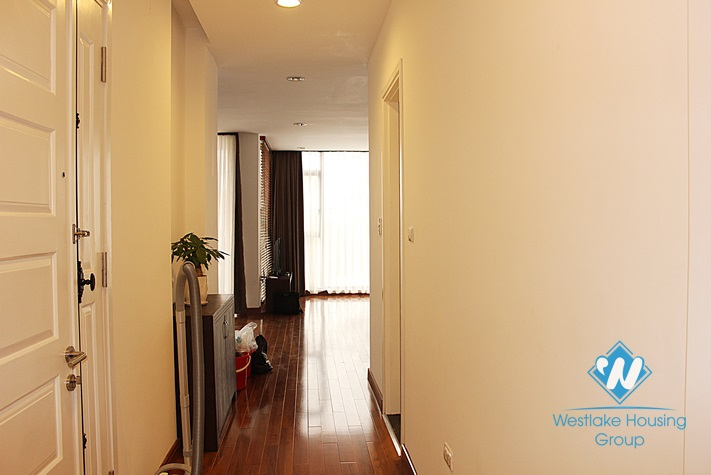High quality apartment on lake side for lease in Tay Ho district, Hanoi