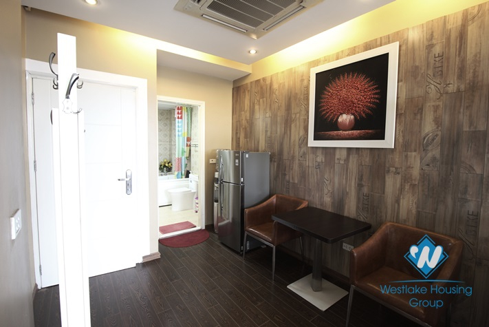 One bedrooms apartment leasing in Tran Vu st, Ba Dinh, Ha Noi