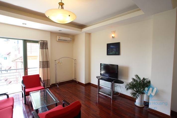 Nice view one bedroom apartment for rent on Au Co street, Tay Ho, Hanoi