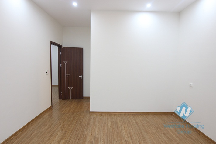 105 sqm office for rent in Tay Ho, Hanoi.