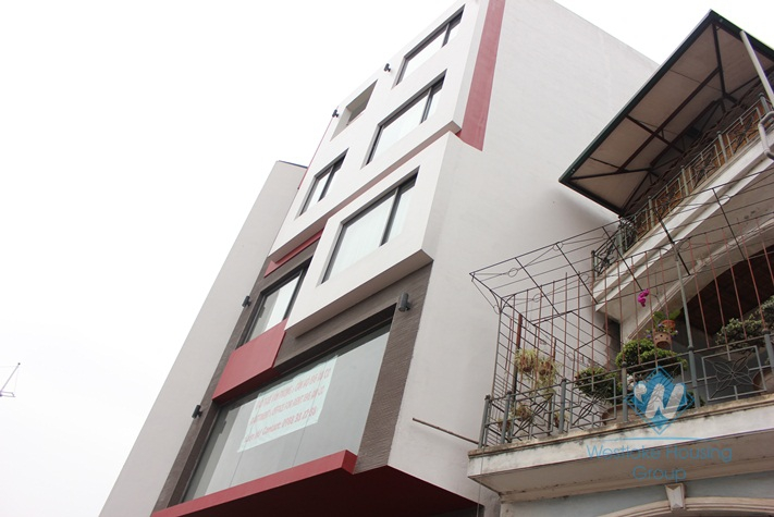 Office available for rent in Au Co street, Tay Ho, Hanoi