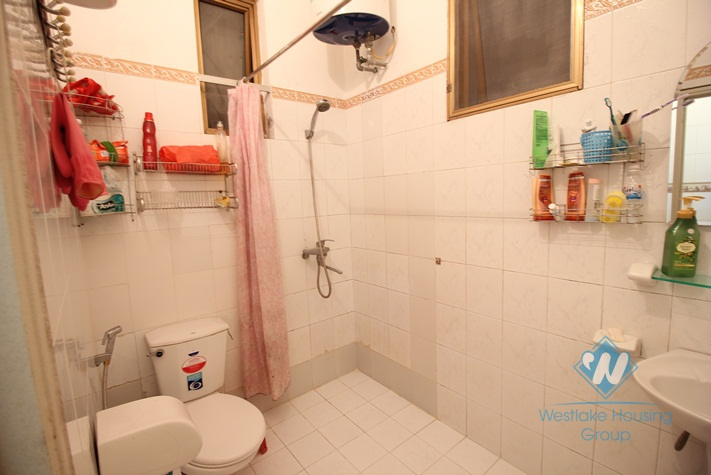 Cheap 1 bedroom apartment for rent in Ba Dinh