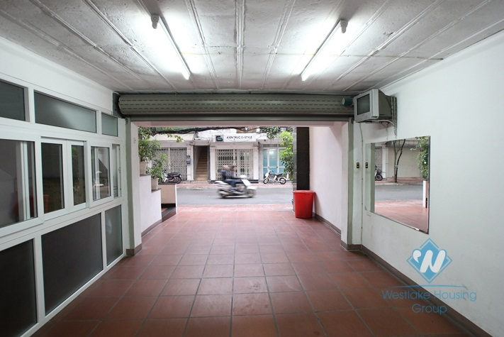 Unfurnished office for rent in Truc Bach area, Ba Dinh, Ha Noi