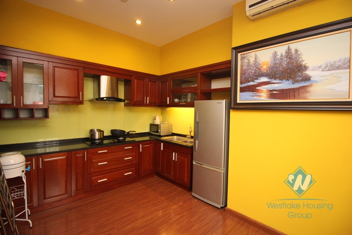 Cheap apartment for rent in Hoan Kiem, Ha Noi.