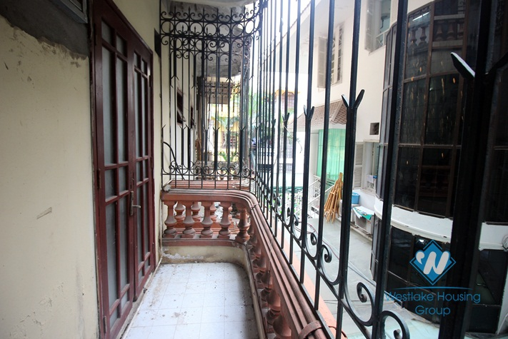 Good location for office or restaurant for rent in Ba Dinh