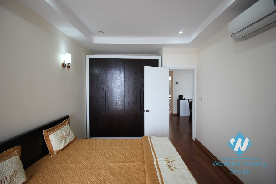 An nice apartment with lake view for rent in Tay Ho, Ha Noi