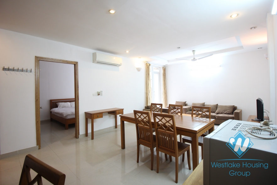 Lake side 2 bedroom apartment for rent on Quang An, Tay Ho