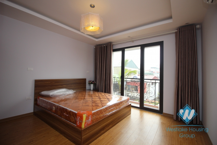 One bedroom apartment with balcony for rent in Dong Da, Ha Noi