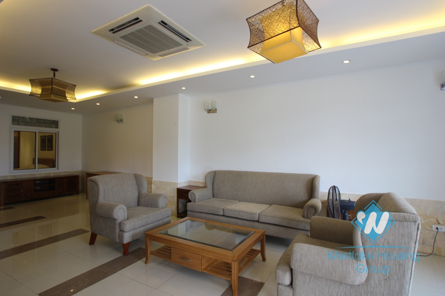 Nice apartment with back yard for rent in Xuan Dieu street, Tay Ho district, Hanoi