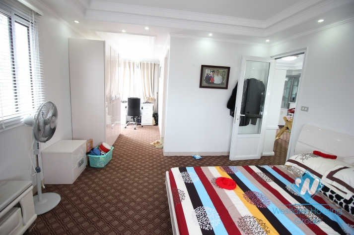 Lovely apartment with 2 bedrooms for rent near city centre, Hanoi
