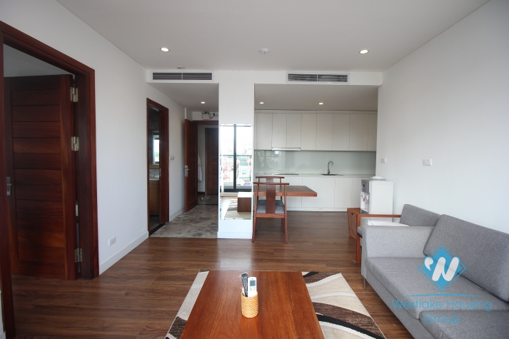 Modern apartment rental in a lakeside building in Dong Da, Hanoi