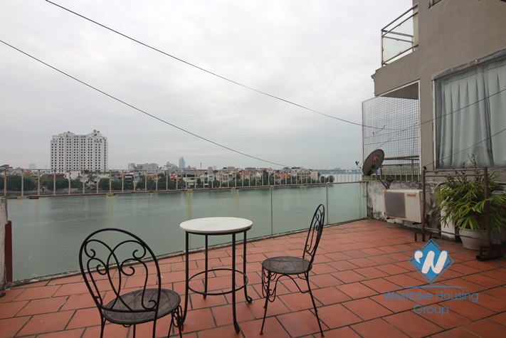 Lakeside terrace apartment for rent in Westlake area