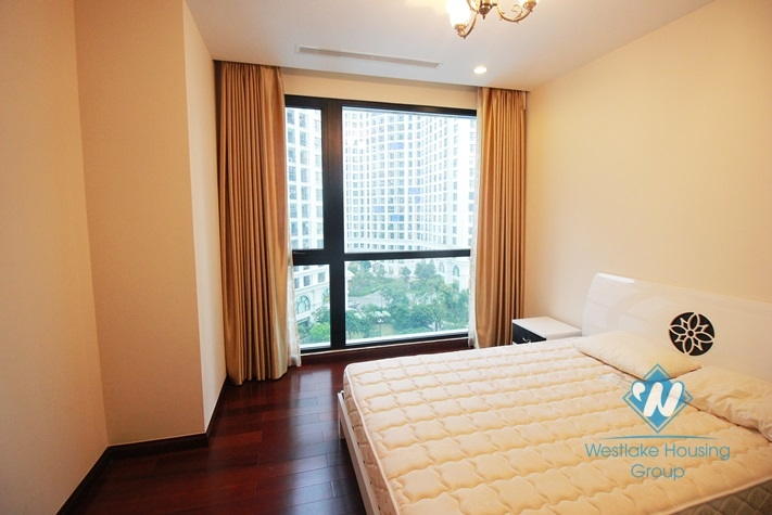 Bright apartment for rent in R1 Tower, Royal City, Thanh Xuan , Hanoi