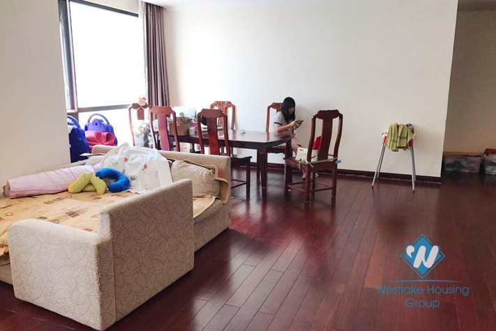 Royal City Hanoi, spacious apartment rental in a modern complex