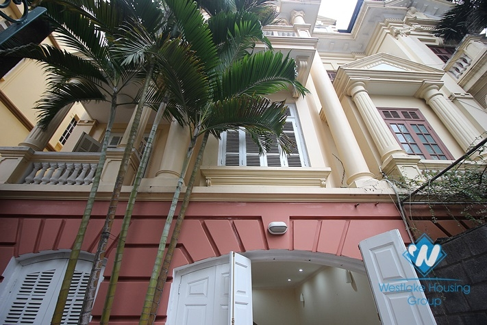 Nice house with small yard for rent in Au Co st, tay Ho, Ha Noi