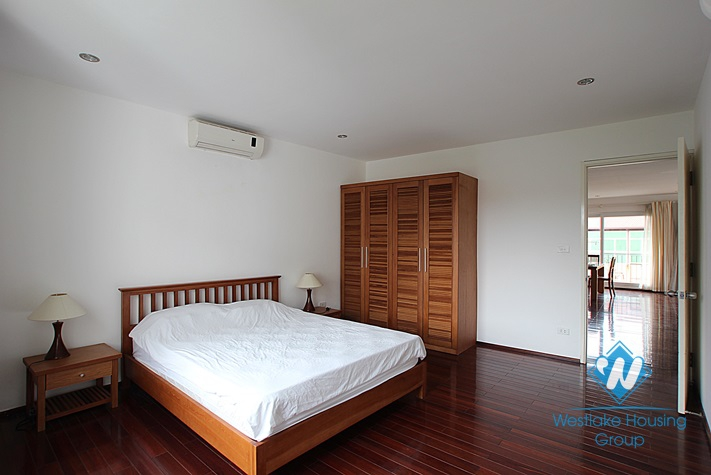 Luxury apartment for rent in Tay Ho area, Ha Noi