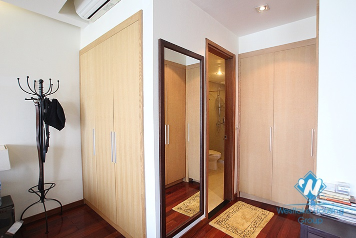 High quality studio for lease on Xuan Dieu street, Tay Ho district, Hanoi