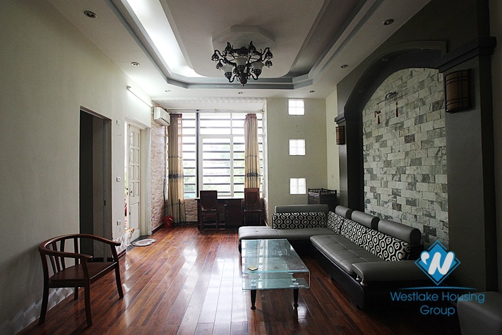 Apartment for lease in Nghi tam alley, Tay Ho, Hanoi