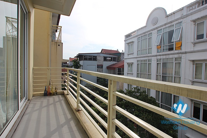 Good apartment for rent in Tay Ho, Ha Noi