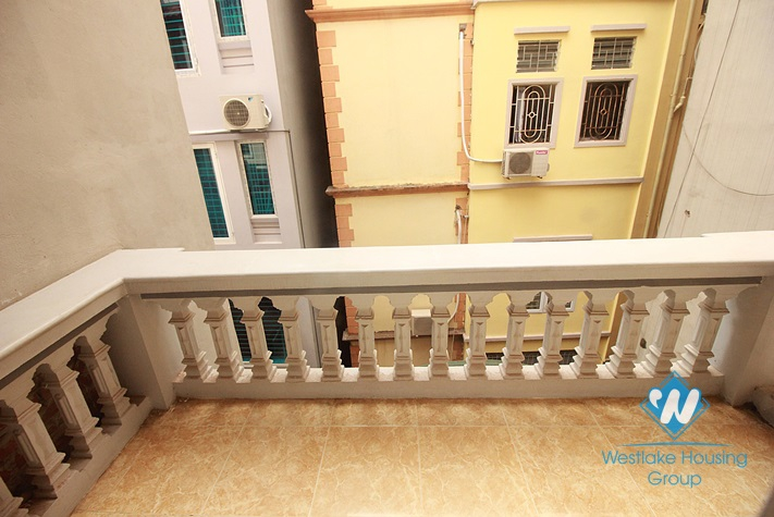 Good house with 4 bedrooms for rent in Au Co st, Tay Ho, Ha Noi. Cheap price