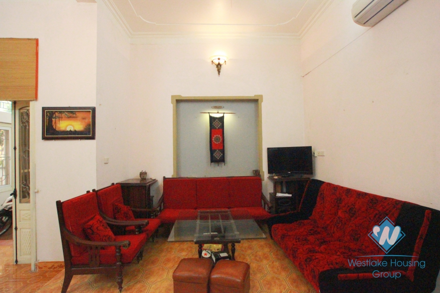 Cheap house for rent in Au Co, Tay Ho, Ha Noi