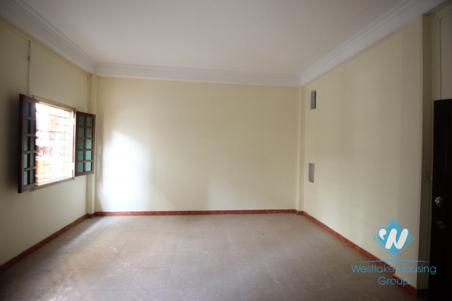3 floors office for rent in Tay Ho, Hanoi