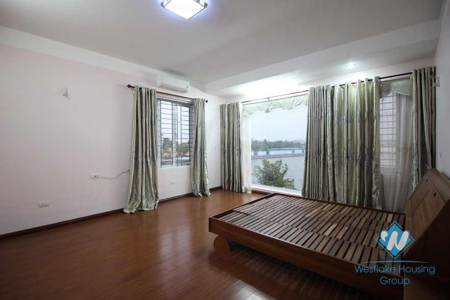 Lakeside house with balcony for rent in Tay Ho, Hanoi