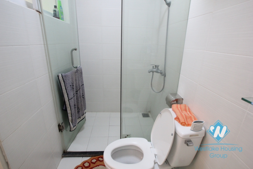 Bright one bedroom apartment for rent  on Au Co street, Tay Ho, Hanoi