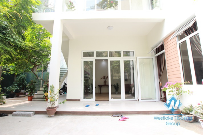 Brand new and nice apartment for rent in Dang Thai Mai st, Tay Ho, Ha Noi