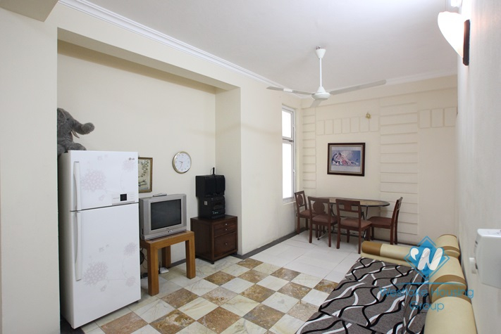02 bedroom apartment for rent with cheap price in Lac Long Quan Tay Ho