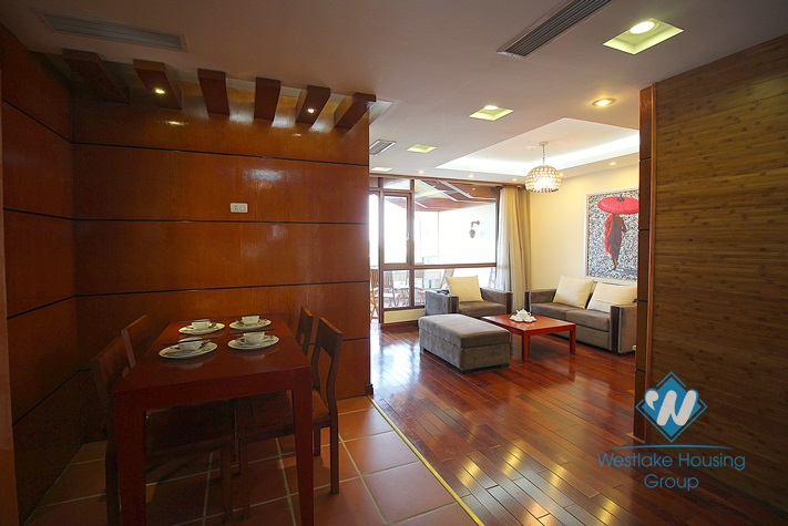 Nice lake-viewed apartment for rent in Tay Ho, Hanoi