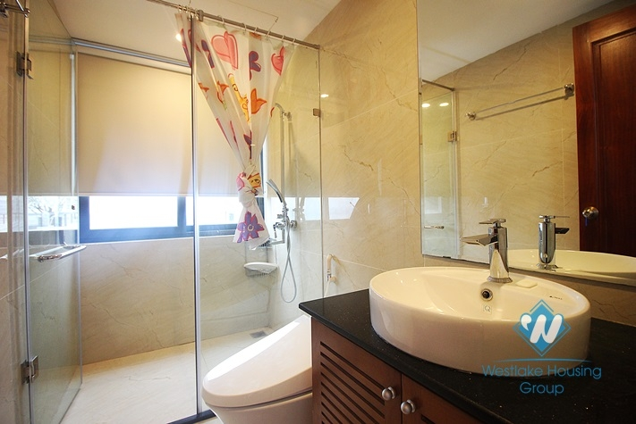 Modern and bright apartment for rent in Tay Ho st, Quang an ward