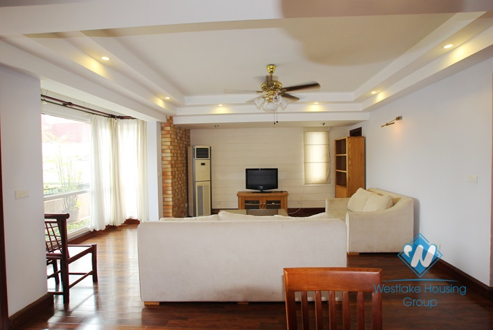 Beautiful apartment for rent in Yen Phu, Tay Ho District, Ha Noi