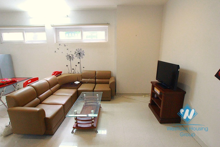 Cheap apartment for rent in Xuan Dieu, Tay Ho, Ha Noi