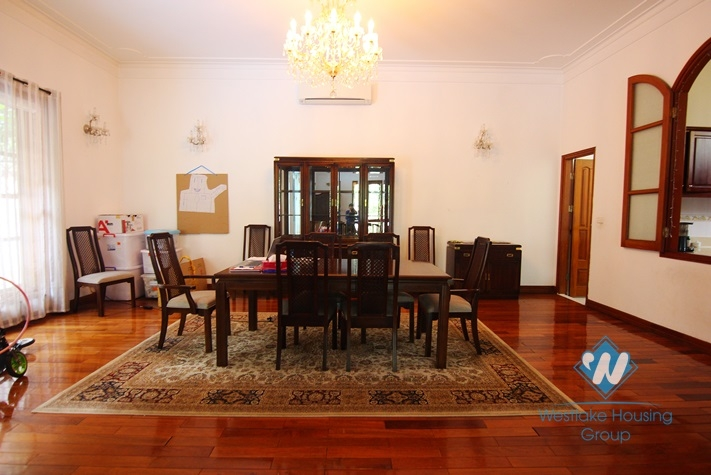 Big yard, swiming pool and five bedrooms house for rent in Tay Ho district, Ha Noi.