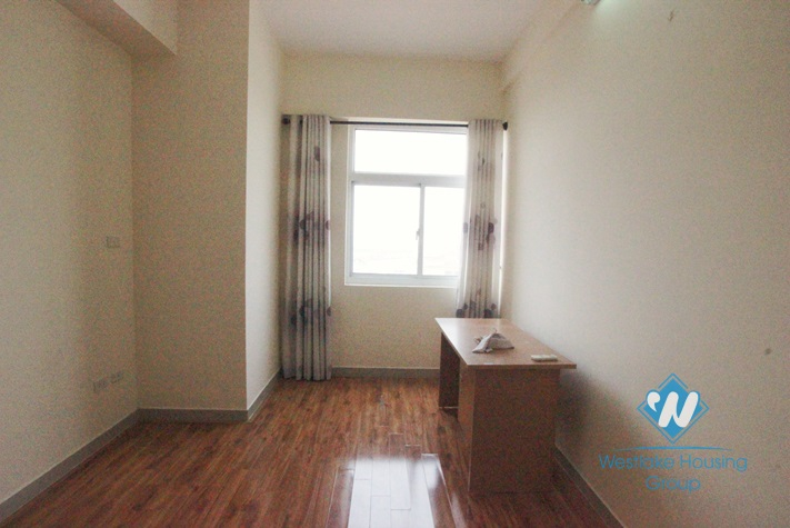 Cheap apartment with 03 bedrooms for rent in Lac Long Quan St, Tay Ho, Ha Noi