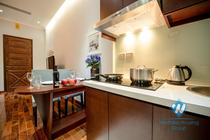 Deluxe studio apartment for rent on Pho Duc Chinh, Truc Bach