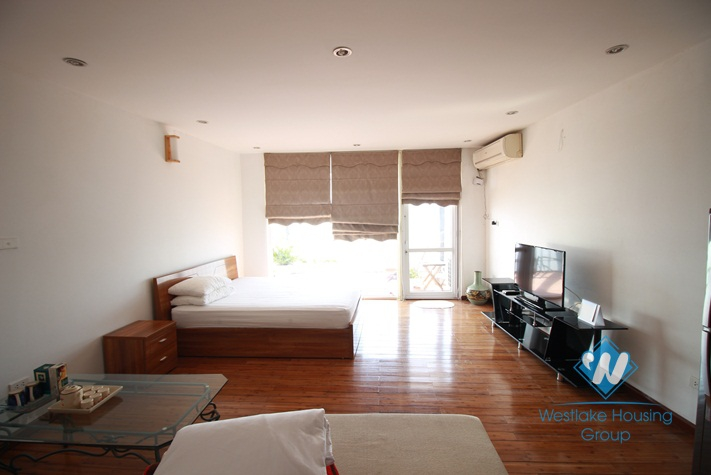 Lake view apartment with separate bedroom for rent in Yen Phu village
