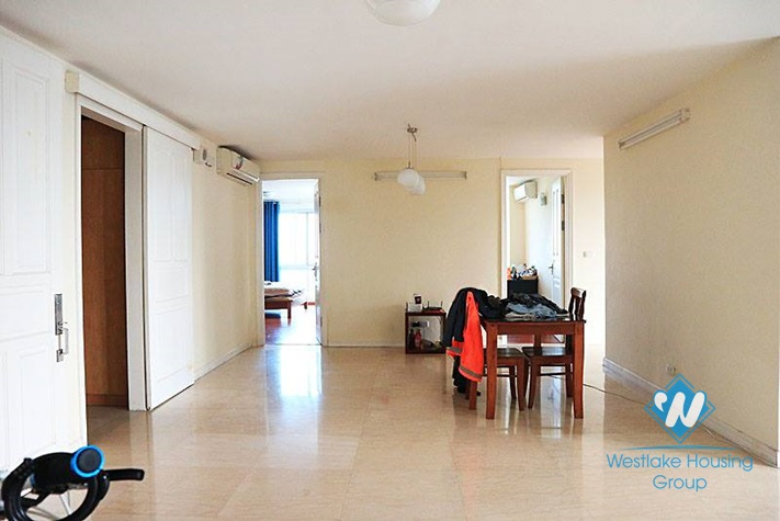 4 bedrooms apartment for rent in Ciputra.