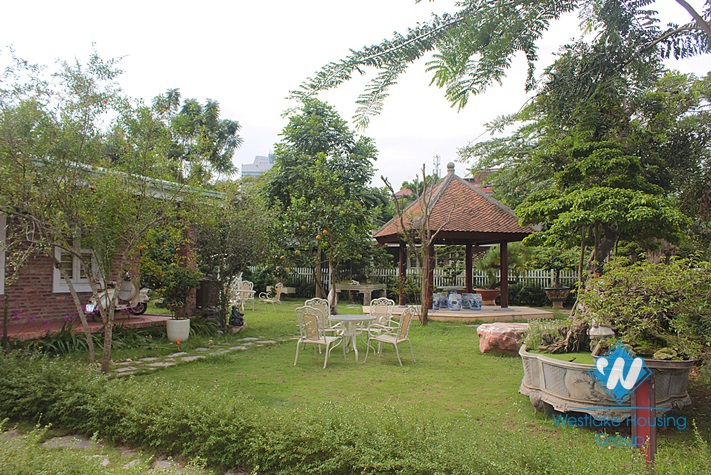 House with big garden for rent in An Duong, Tay Ho, Ha Noi