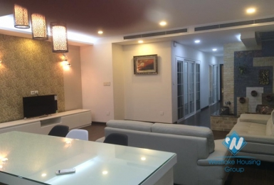 Modern and elegant apartment for rent in Hai Ba Trung, Ha Noi