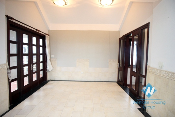 Lakeside house for rent in Trich Sai, Tay Ho, Ha Noi