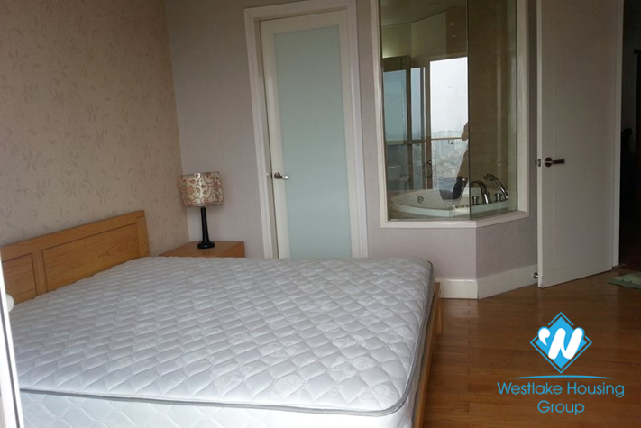 High quality 03 bedroom apartment for lease in Golden Wetlake, Tay Ho district, Hanoi.