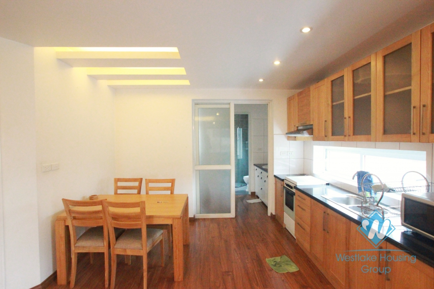 Quiet apartment for rent in Xuan Dieu, Tay Ho, Hanoi