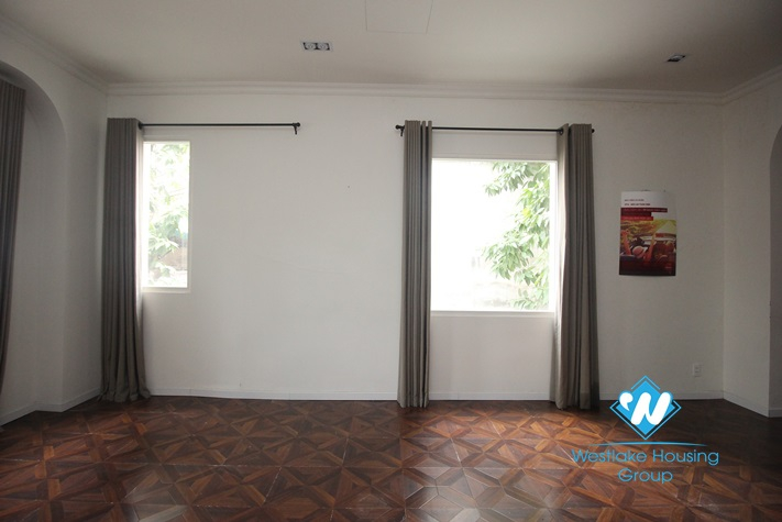 White house with garden for rent in Hoan Kiem District, Ha Noi