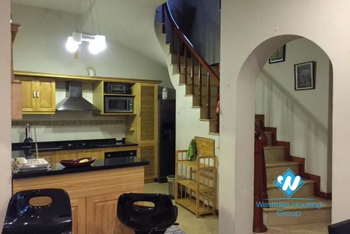 Airy house surrounded by small green tree for rent in Hai Ba Trung,Hanoi