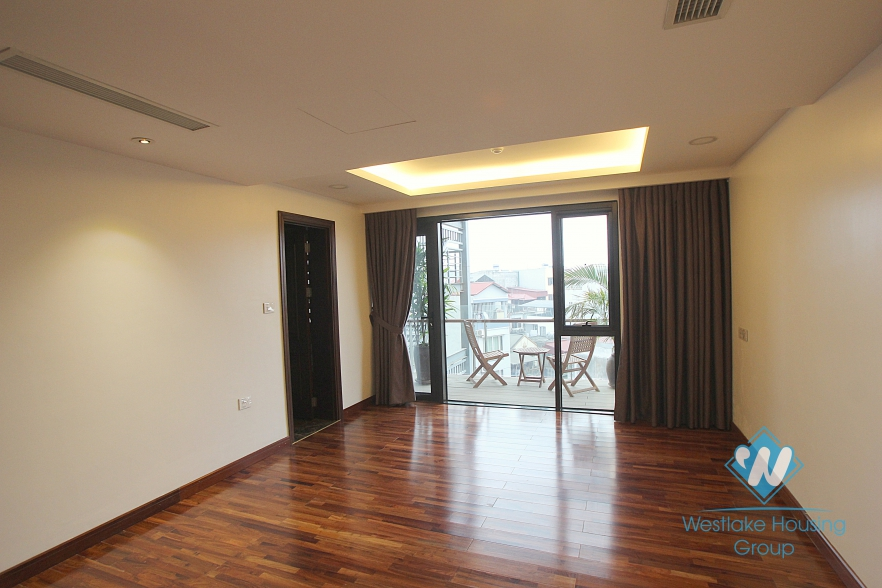 Luxury and Modern apartment  for rent in Xuan Dieu st, Tay Ho, Ha Noi
