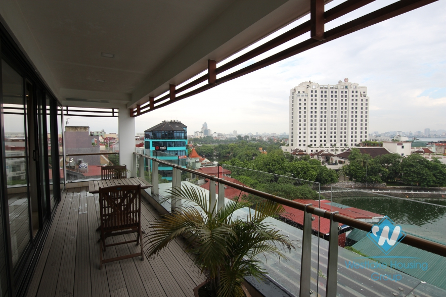High floor apartment for rent in Xuan Dieu street, Tay Ho, Hanoi